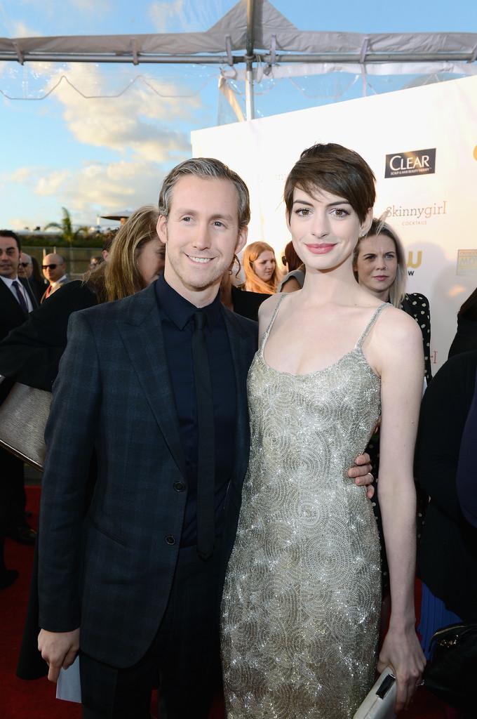 CCMA-2013-Anne-Hathaway-and-Adam-Shulman