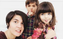 A mom with her kids who needs some single parent quotes to inspire her day.