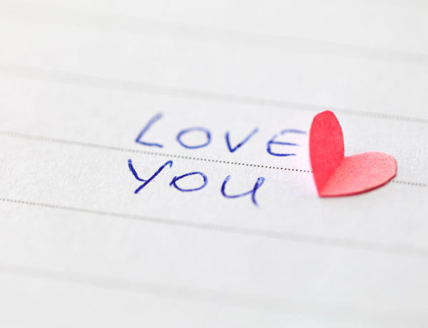 An I love you note with a love paragraph for her in it.